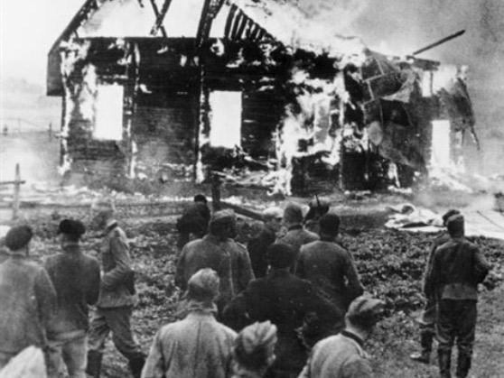 Сжигание Синагоги в еврейском местечке. Литва, июнь 1941 года.