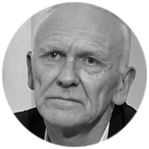 Майкл Робертс