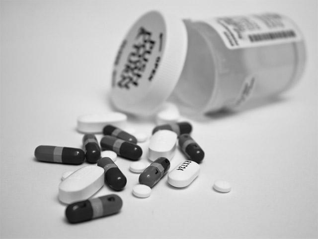 Возможность дышать, или Лекарство от официоза (о словаре «У нас и у них»)