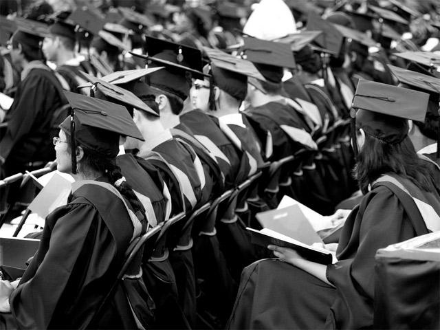 Гуманитарные науки: «Студенты массово уходят?»