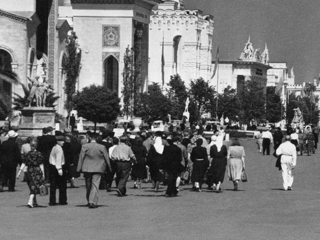 Классики без классики: социальные и культурные истоки стиля советской социологии