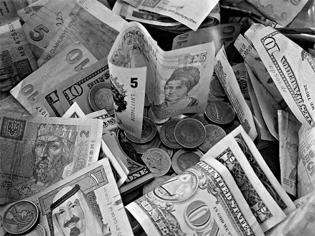Олигархи и деньги