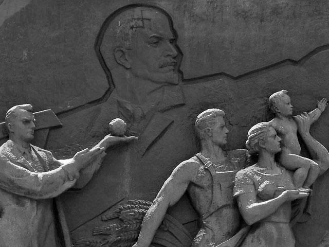 Бюрократы, патриоты, аутсайдеры: стратегии взаимодействия с новыми российскими памятниками