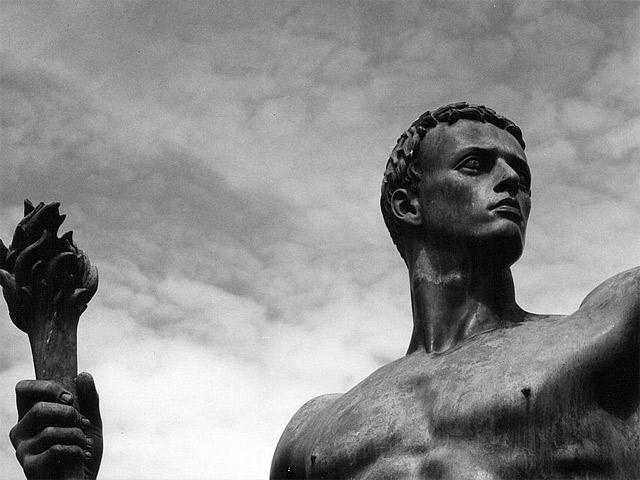 Риторика тоталитаризма: становление, расцвет, коллапс (советский опыт)