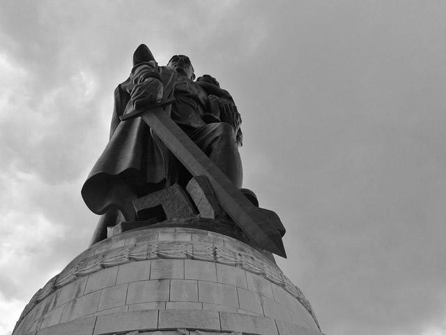 Фашизация антифашизма, или Как Российская Федерация легитимирует захват Украины