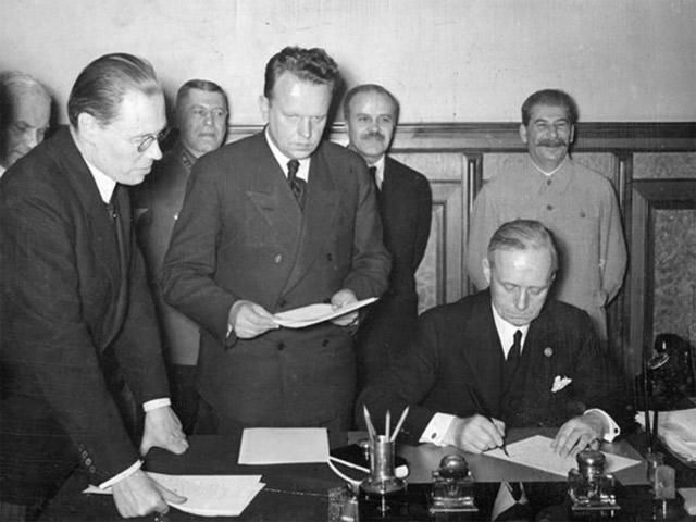 Когда Сталин был союзником Гитлера