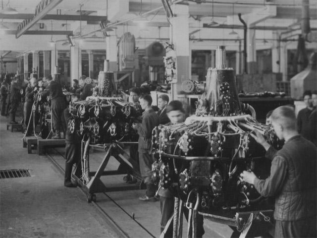 Жизненный мир советского рабочего в позднюю сталинскую эпоху (по дневнику Дмитриева 1946–1953)